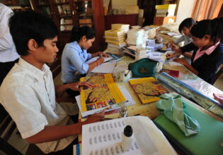 How Can Scholars Contribute to the Development of Cambodia? by Kimkong Heng